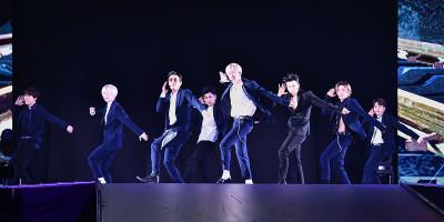 SUPER JUNIOR『僕たちのトークショーにようこそ』!?東方神起ら東京ドームで堂々パフォーマンス